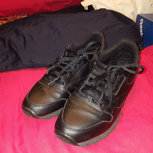 8999b558f Reebok Shoes | Classic Leather 65 Youth Classic All Blk | Poshmark